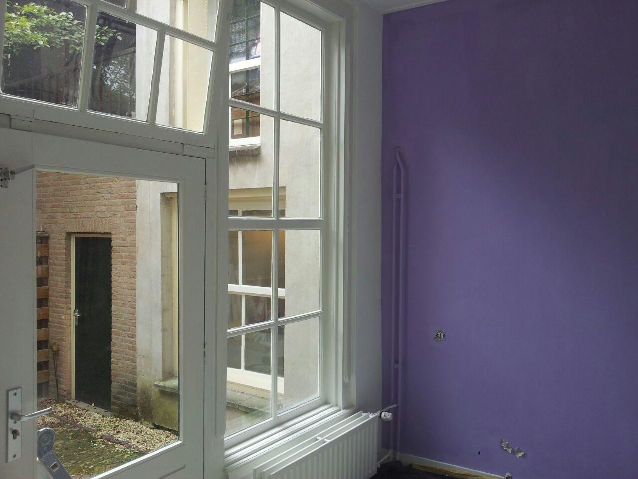 paars-witte-muur
